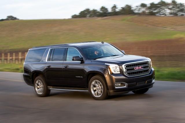 Gmc Yukon Vs Lincoln Navigator Compare Cars