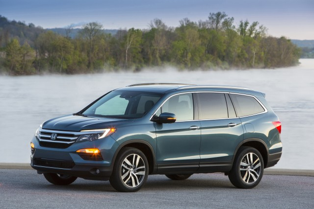 2016 Honda Pilot Seven Seat Suv Rated At 22 Or 23 Mpg Combined