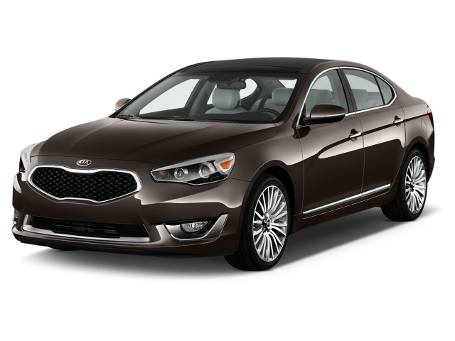 2016 Kia Cadenza 4-door Sedan Angular Front Exterior View