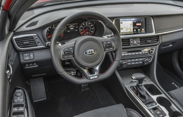 Kia optima debuts at 2015 new york auto show live photos for 2015 kia optima sxl turbo interior