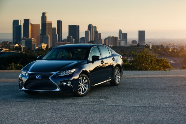 Lexus Hybrids Always Charged Says Slogan Unlike Electric Cars