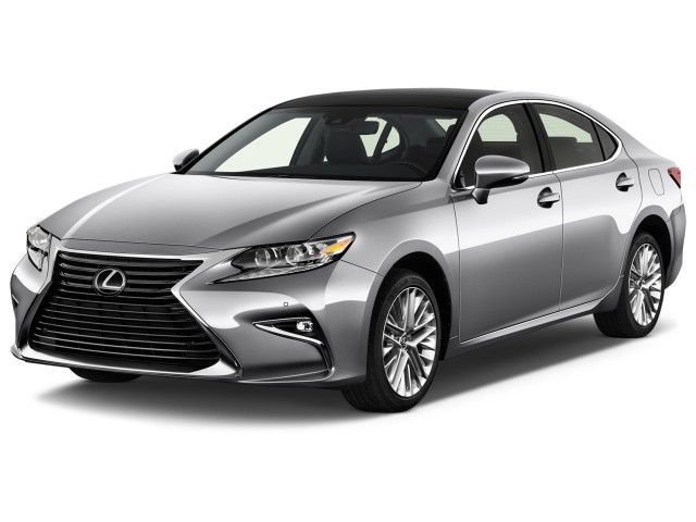 2016 Lexus ES 350 4-door Sedan Angular Front Exterior View