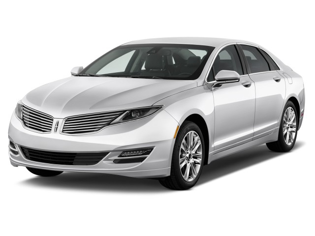 2016 Lincoln MKZ 4-door Sedan FWD Angular Front Exterior View
