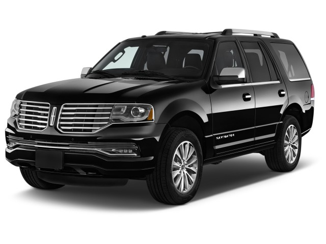 2016 Lincoln Navigator 2WD 4-door Select Angular Front Exterior View