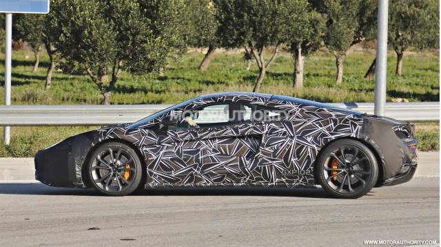 2016 McLaren Sports Series spy shots