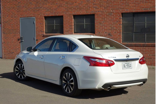 2016 Nissan Altima 2.5 SL gas mileage review (Page 2)