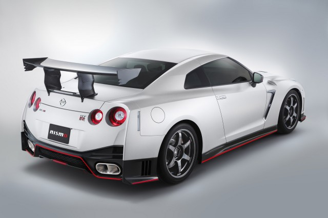 2016 Nissan GT-R NISMO N-Attack Package