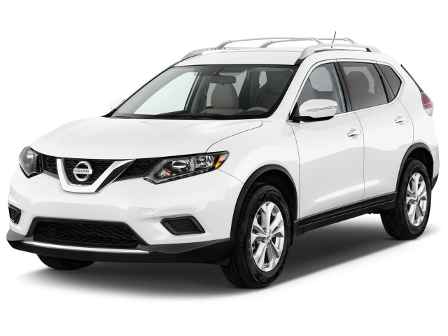 2016 Nissan Rogue FWD 4-door SV Angular Front Exterior View