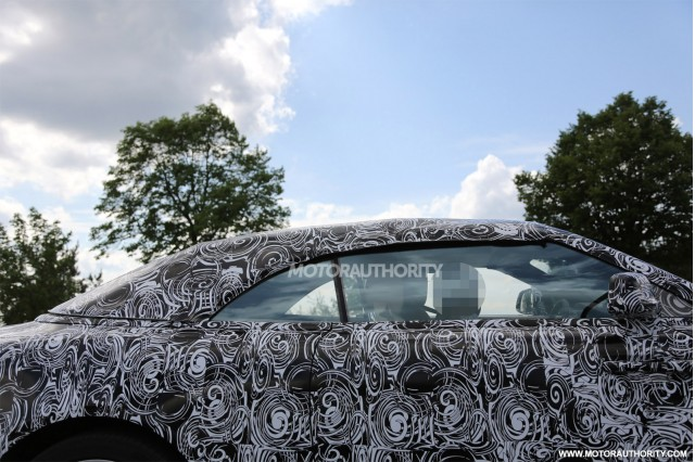 2016 Rolls-Royce Wraith Drophead Coupe spy shots