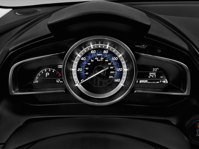 2016 Scion iA 4-door Sedan Auto (Natl) Instrument Cluster