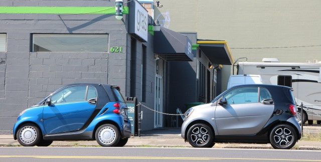 2016 Smart Fortwo Minicar Parked Behind First Generation Model Portland Oregon
