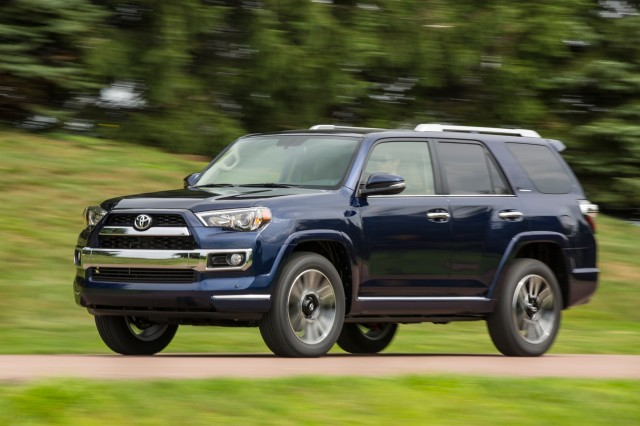 2016 Jeep Grand Cherokee Vs 2016 Toyota 4runner The Car Connection