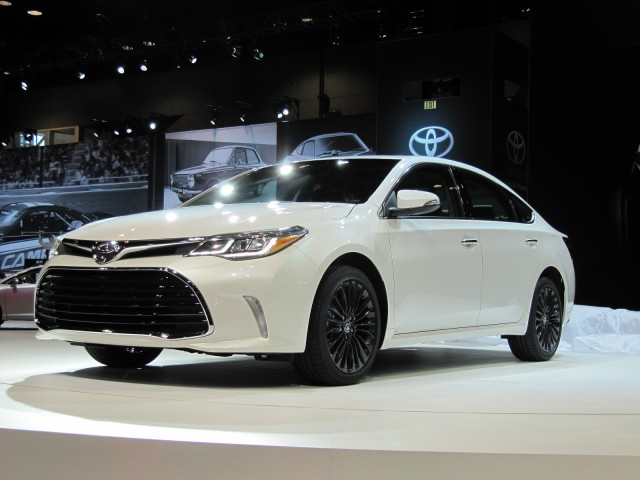 2016 Toyota Avalon launch at 2015 Chicago Auto Show