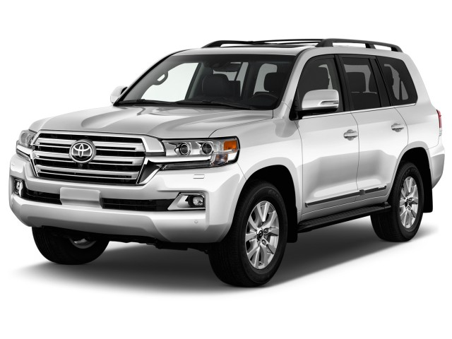 2016 Toyota Land Cruiser 4-door 4WD (Natl) Angular Front Exterior View