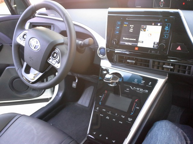 2016 toyota mirai hydrogen fuel cell car a few things we noticed. Black Bedroom Furniture Sets. Home Design Ideas