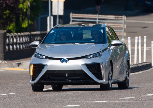 2016 Toyota Mirai Quick Drive Portland July 2017 Photo Doug Berger