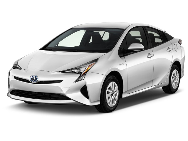2016 Toyota Prius 5dr HB Two (Natl) Angular Front Exterior View