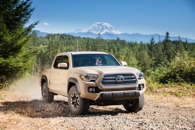 2017 Chevrolet Colorado vs. 2017 Toyota Tacoma: Compare Trucks