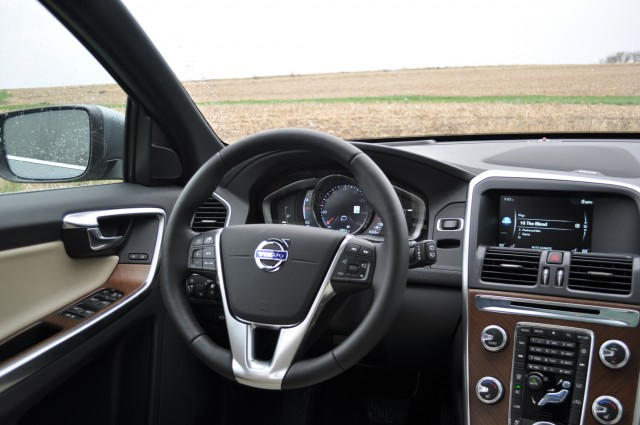 2016 Volvo XC60 T6 AWD Drive-E