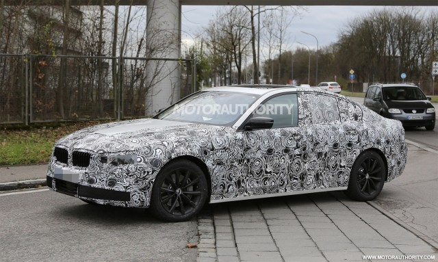 2017 BMW 5-Series spy shots