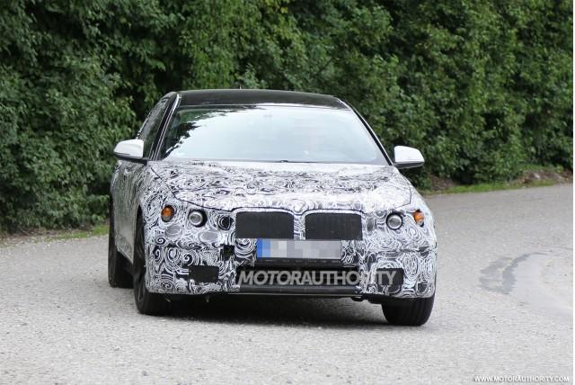 2017 BMW 5-Series test mule spy shots