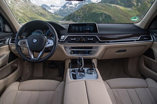 Bmw Large Plug In Hybrid Luxury Sedan With Mile Range