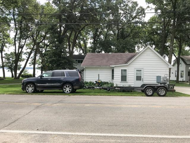 2017 Cadillac Escalade towing