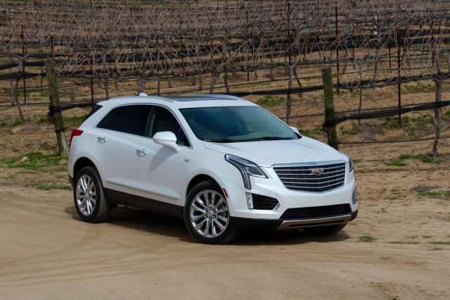 2017 cadillac xt5 first drive. Black Bedroom Furniture Sets. Home Design Ideas