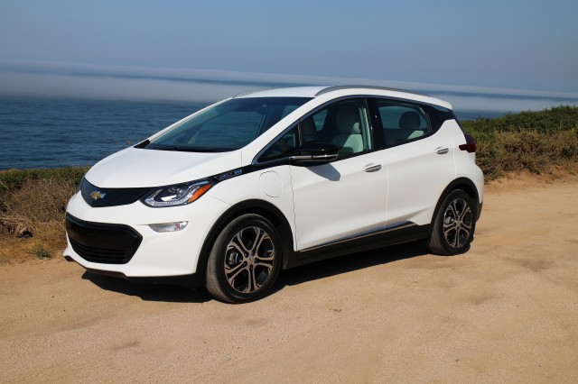2017 Chevy Bolt Ev Electric Car Wins North American Of The Year Award