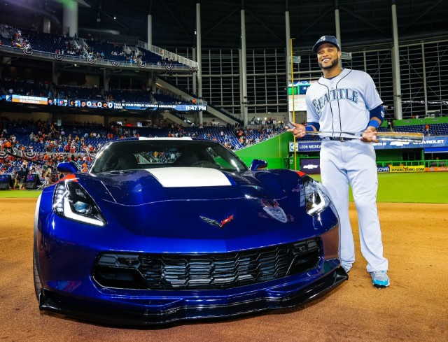 Robinson Canó presented C7 Corvette Grand Sport