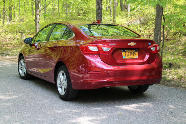 2017 Chevrolet Cruze Diesel (with 6-speed manual gearbox), Bear Mountain, NY, May 2017