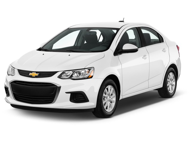 2017 Chevrolet Sonic 4-door Sedan Auto LT Angular Front Exterior View