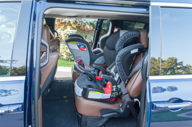 2017 chrysler pacifica limited long term road test putting it to the test with kids. Black Bedroom Furniture Sets. Home Design Ideas