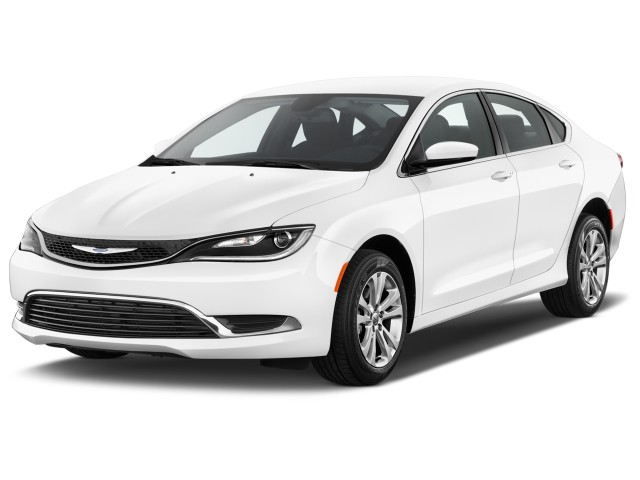 2017 Chrysler 200 Limited Platinum FWD Angular Front Exterior View