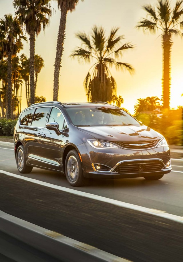 Chrysler Pacifica Hybrid Vs Toyota Sienna The Car Connection - 2017 pacifica invoice