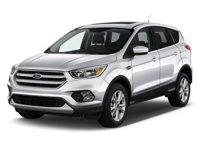 2017 Ford Escape SE 4WD Angular Front Exterior View