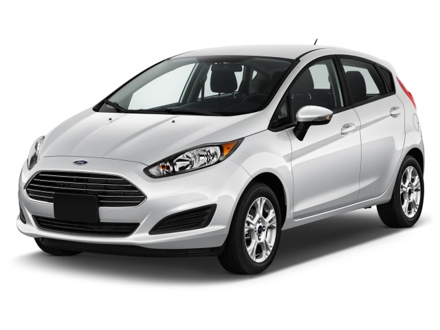 2017 Ford Fiesta SE Hatch Angular Front Exterior View