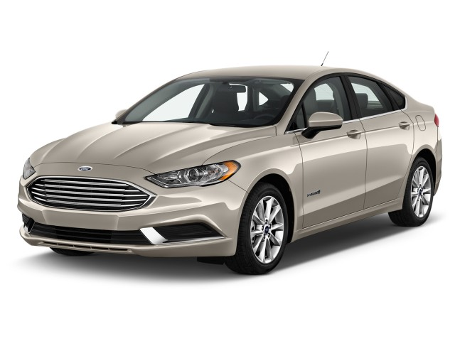 2017 Ford Fusion Hybrid SE FWD Angular Front Exterior View