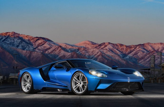 Ron Pratte donating 2017 Ford GT for charity sale at Barrett-Jackson's 2018 Scottsdale auction