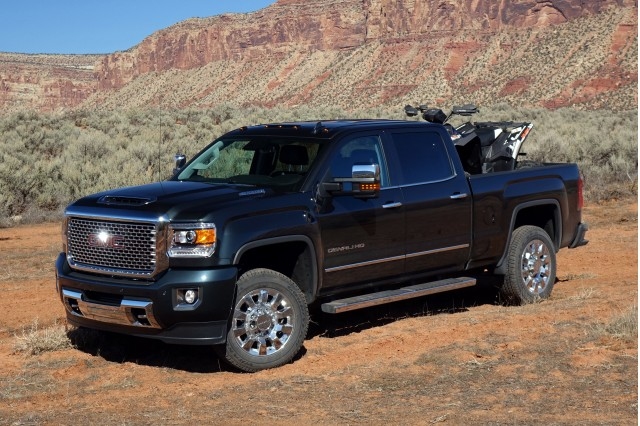 2017 gmc sierra 2500hd vs chevrolet silverado 2500hd ford. Black Bedroom Furniture Sets. Home Design Ideas