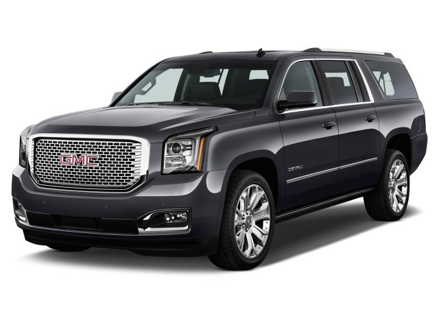 2017 GMC Yukon XL 2WD 4-door Denali Angular Front Exterior View