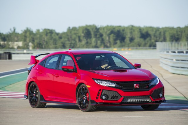 2017 honda civic type r first drive review track attacker page 2. Black Bedroom Furniture Sets. Home Design Ideas
