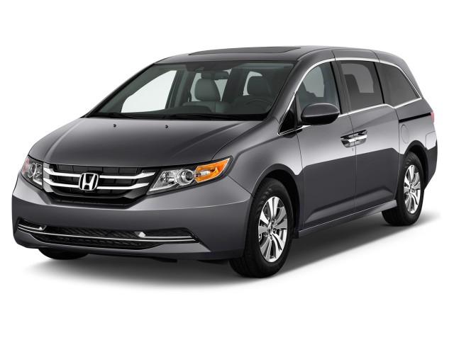 2017 Honda Odyssey EX-L Auto Angular Front Exterior View