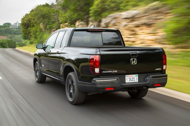 Honda Ridgeline recalled, Volvo V60 Cross Country driven, Kia Soul EV's 243-mile range: What's New @ The Car Connection