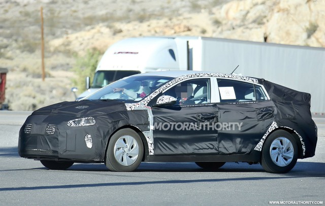 Hyundai Spy Shots >> 2017 Hyundai Ioniq Spy Shots