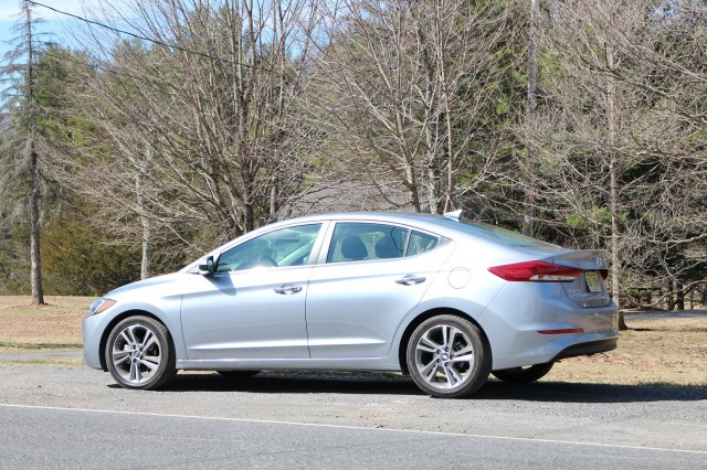 2017 hyundai elantra limited gas mileage review page 2. Black Bedroom Furniture Sets. Home Design Ideas