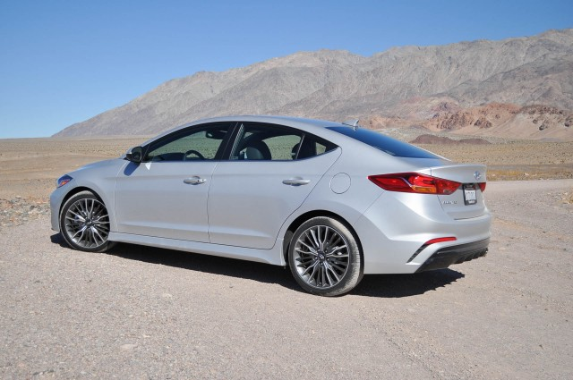 Elantra 2017 Silver >> 2017 Hyundai Elantra Sport first drive: close encounter of a turbocharged kind