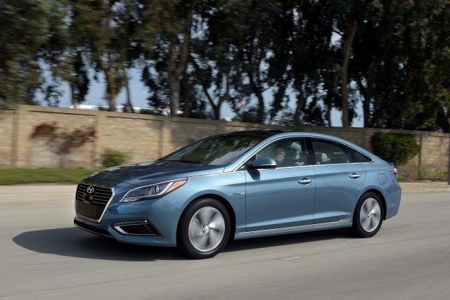 2017 Hyundai Sonata Hybrid (plug-in hybrid version)