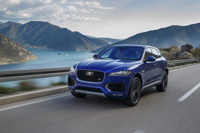 2017 jaguar f pace first drive review. Black Bedroom Furniture Sets. Home Design Ideas