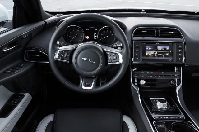 2017 Jaguar XE V6 S